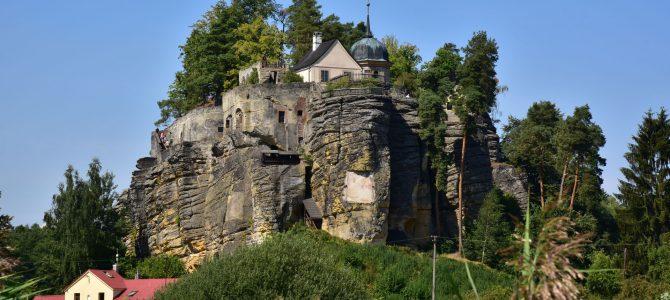 Po okolí skalního hradu Sloup